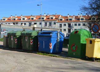 Contenedores con carga industrial en el municipio de Tomiño
