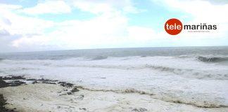 Espuma marina en Oia