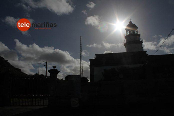 Primeros rayos de sol de 2016 en el Faro de Cabo Silleiro