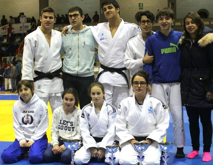 Judokas club de judo Do-Majo