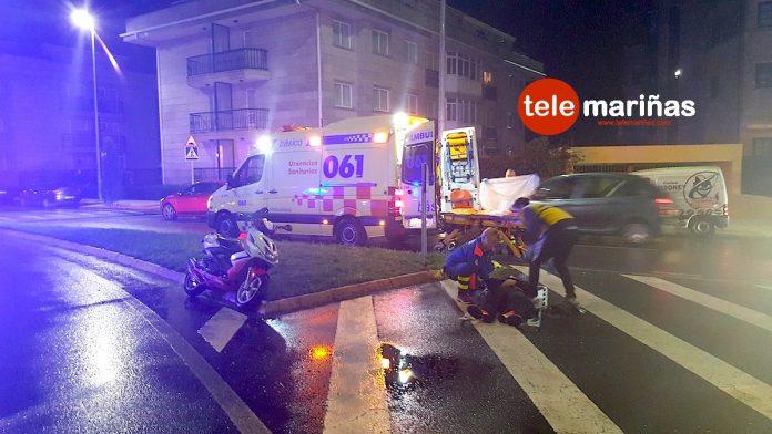Un herido en una colisión entre un coche y una moto en Sabarís