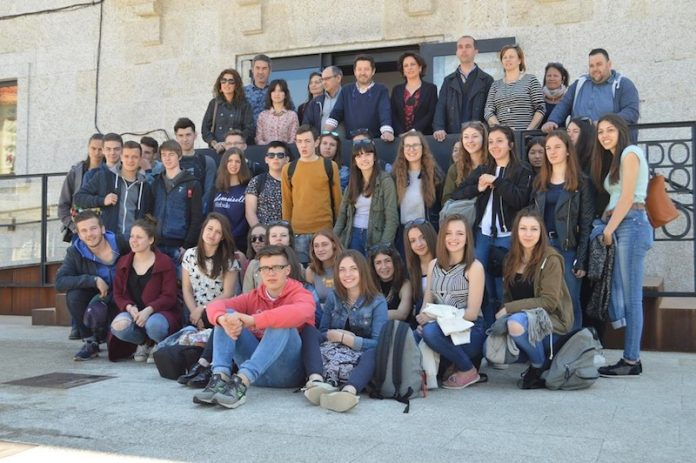Treinta y siete estudiantes franceses pasa una semana en Tomiño