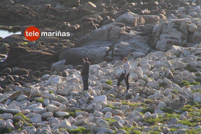 Familiares y amigos buscan al joven desaparecido cuando buceaba en Cíes