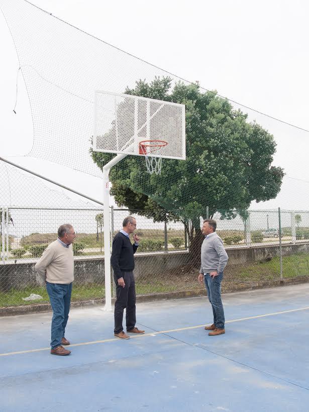 Nigrán renueva las canastas del espacio deportivo Dunas de Gaifar