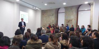 Éxito de participación en las charlas Manual de Instrucciones para Educar en A Guarda