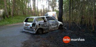 Herido el conductor de un turismo que empezó a arder tras chocar contra un árbol en Gondomar