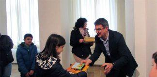 A Guarda entrega los premios del certamen de microrrelatos a 44 escritores de todas las edades