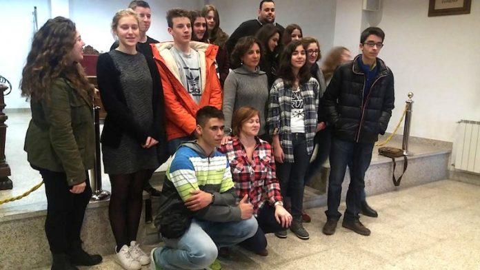 Profesores y alumnos de Erasmus visitaron el Concello de Tomiño