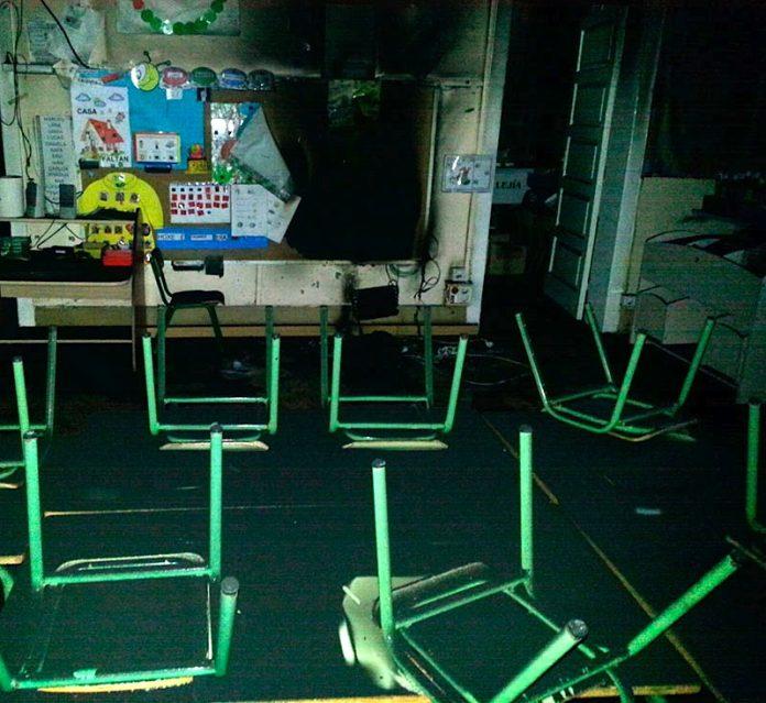 Un incendio obliga a suspender las clases en el CEIP Pazos de Reis