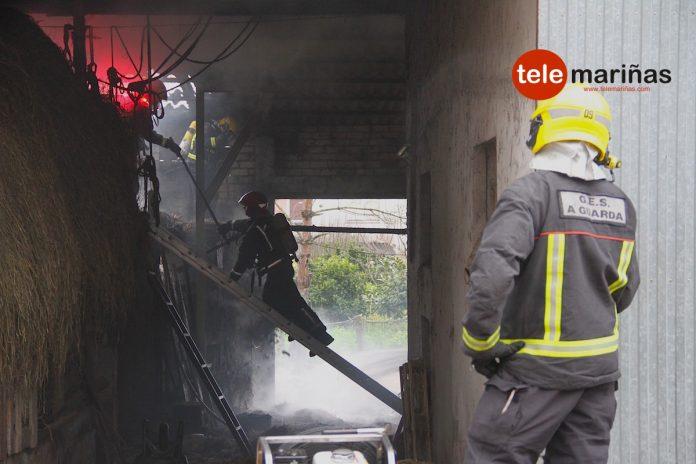 El GES de A Guarda sofoca un incendio en un galpón en A Gándara