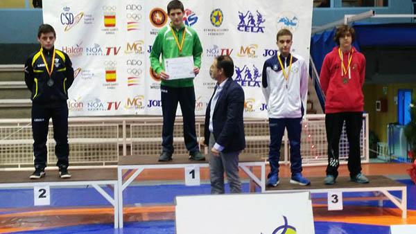 Omar Rodríguez y Anxo Uzal, del Club de Loita Sabarís, logran medalla con la selección gallega en Pontevedra