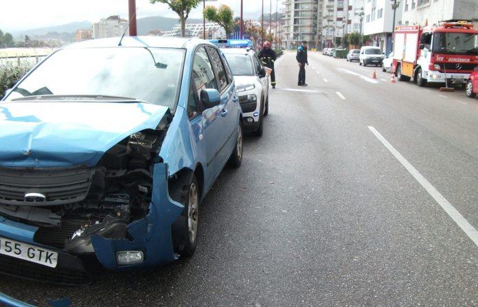 Colisión múltiple de tres coches, sin heridos, en Baiona
