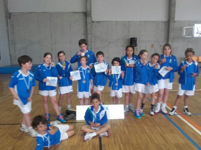 ¡Campeón! El equipo alevín Ángel de la Guarda-Airexa gana la liga en Baiona