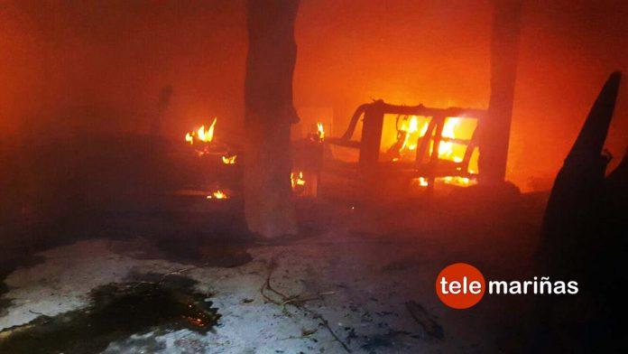 Un incendio destruye gran parte de una casa deshabitada en Gondomar