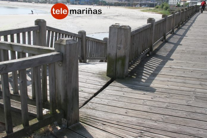 Rescatan a una niña tras colarse en el paseo marítimo de Baiona