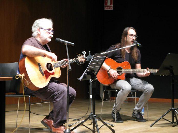 Concierto del músico Antón Seoane para los alumnos del colegio Humberto Juanes de Nigrán