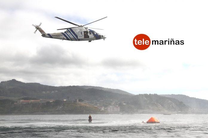 Simulacros de rescate en la bahía de Baiona