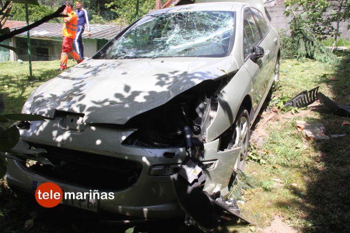 Un conductor se queda dormido y sufre un accidente en Gondomar