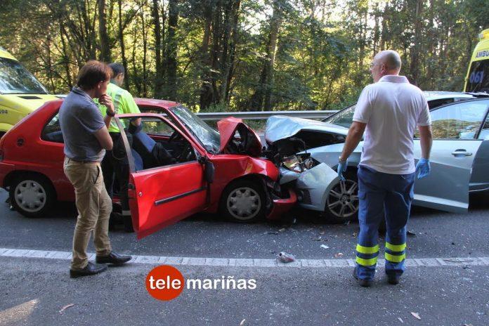 Tres jóvenes heridas de gravedad en el brutal choque frontal de dos coches en Gondomar