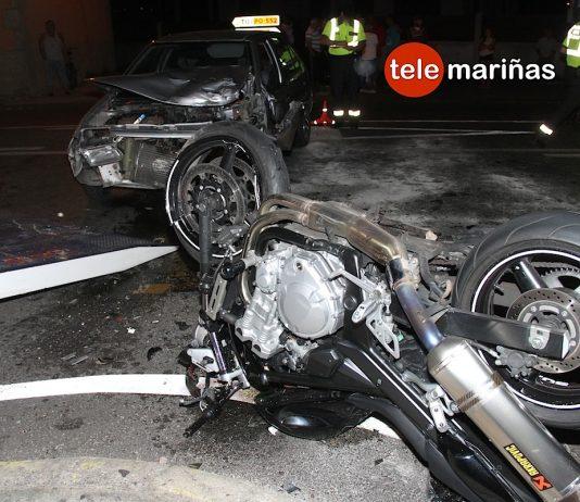 Dos heridos en un choque frontal entre un coche y una moto en Tomiño