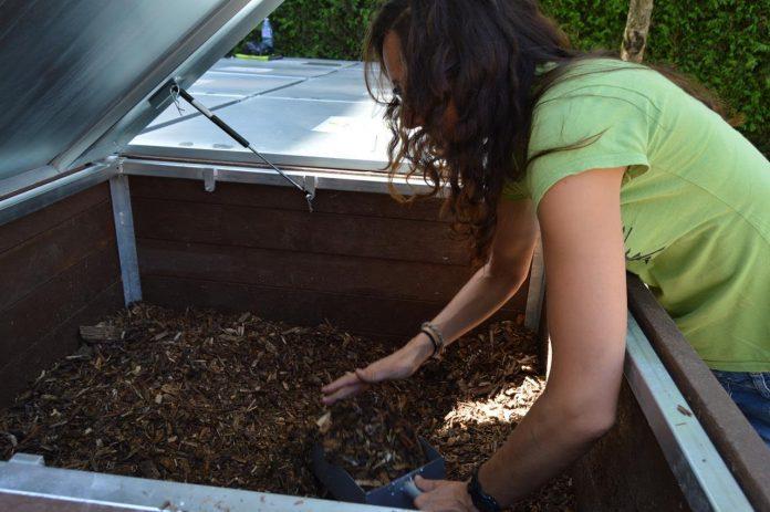 Tomiño pone en marcha un programa de compostaje comunitario en núcleos urbanos