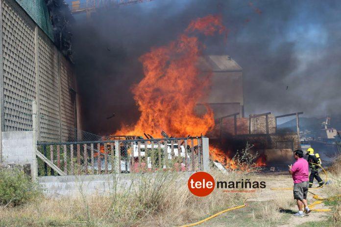 Arde el Astillero Joaquín Castro de Camposancos