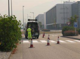 Nigrán mejora la seguridad vial con el pintado de la señalización horizontal en todo el polígono terciario de Porto do Molle