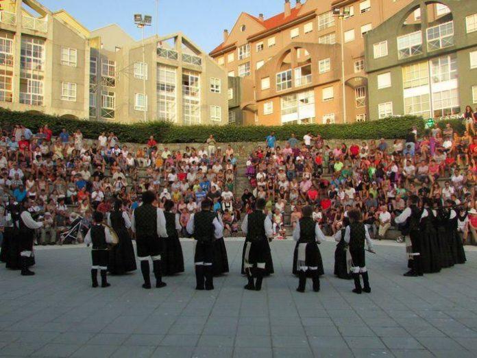 Un Festival Folclórico y la Orquesta Olympus marcan el comienzo de 'As Festas do Monte 2016' en A Guarda