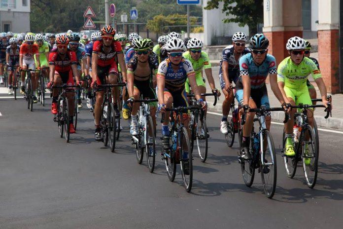 El Club Ciclista Rías Baixas, a una pedalada de sorprender a estructuras profesionales en Portugal