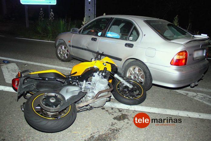 Un motorista resulta herido al colisionar contra un coche en Vincios