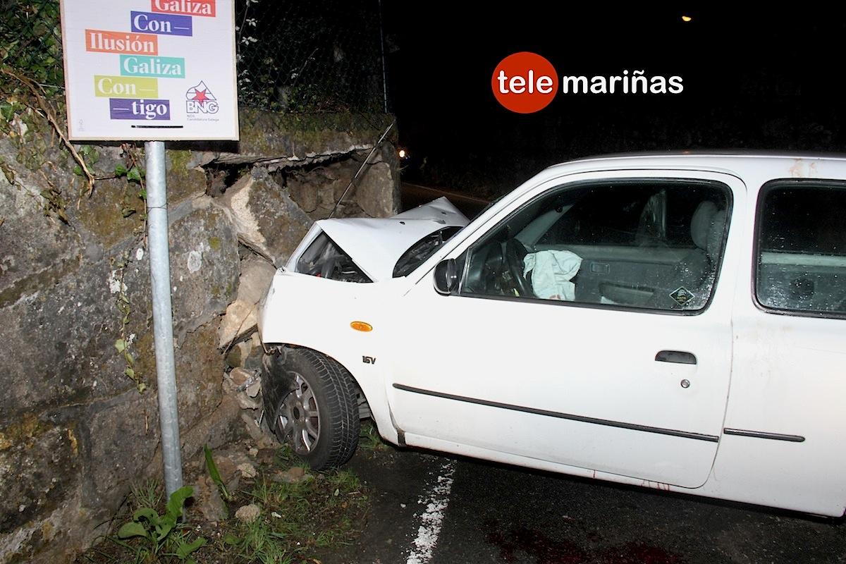Herido al chocar su coche contra un muro en Nigrán
