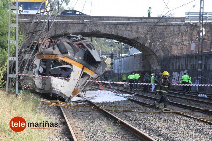 Cuatro muertos y al menos 49 heridos al descarrilar un tren en O Porriño