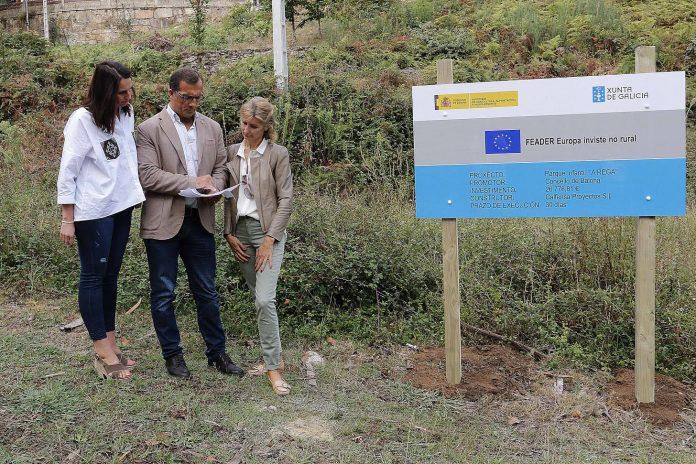 Supervisan el inicio de las obras del parque infantil y de la zona biosaludable de A Rega