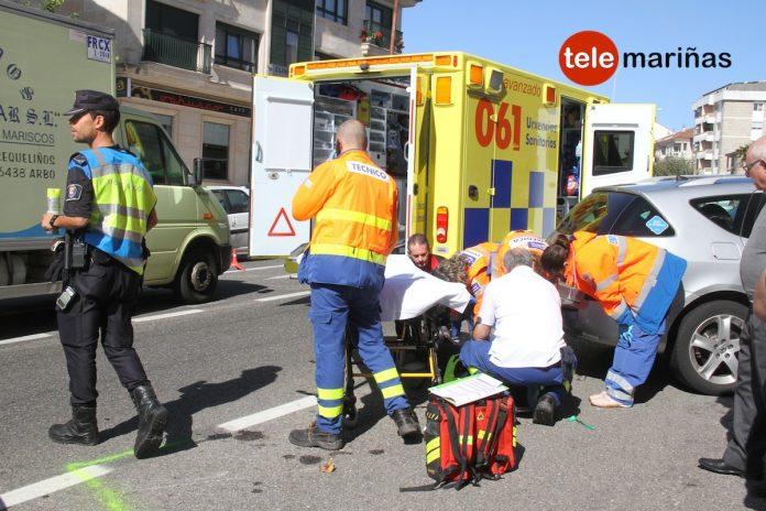 Herida en una colisión entre un coche y una moto en Nigrán