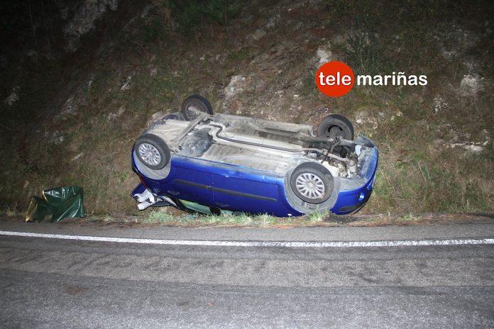 Herido un joven de O Rosal al salirse de la vía y volcar con su vehículo en Baiona