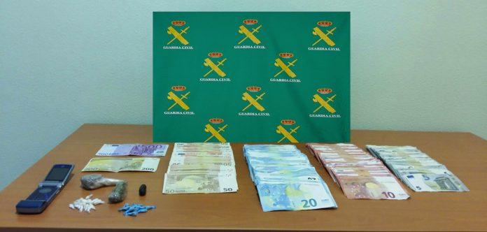 Tres detenidos en A Guarda por venta y distribución de drogas