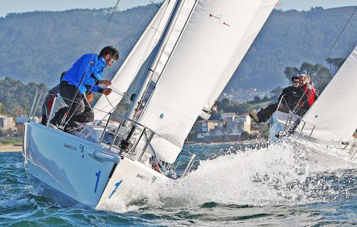 La clase J80 clausura la temporada de vela en Baiona
