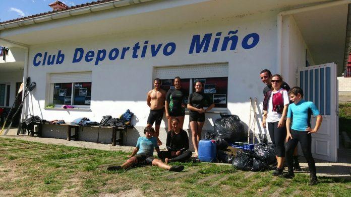Retiran más de 200 kilos de basura en la limpieza de los ríos Pego y Miño a su paso por Tomiño