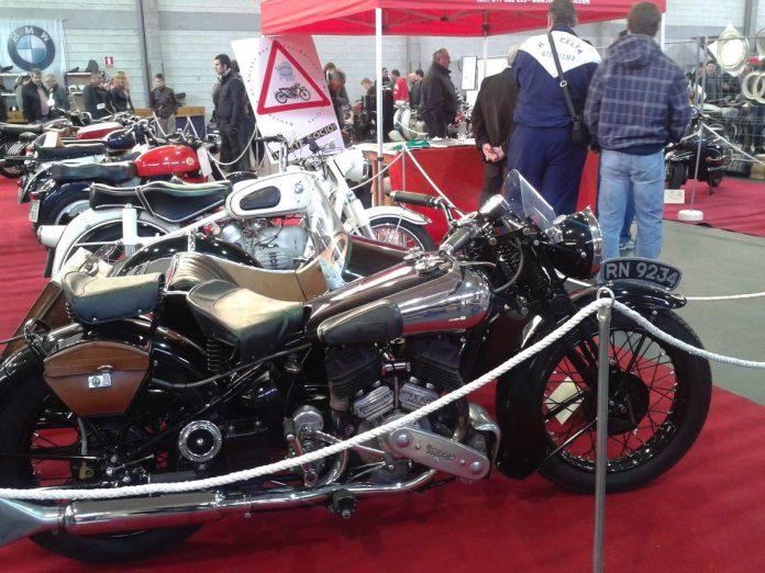 Goián celebra la XIII feria de motos antiguas