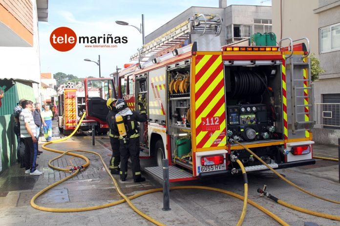 Controlado el incendio que afectó a un edificio en la calle Areosa de Nigrán
