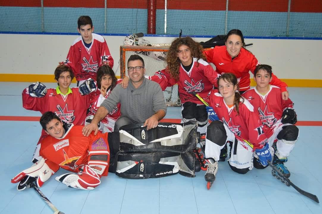 CEDIDA // El equipo infantil de A Guarda Hockey Liña en la Liga Galega.