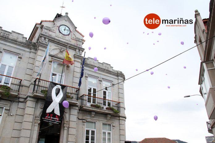 Suelta de globos en Gondomar para conmemorar el Día Internacional contra la Violencia de Género