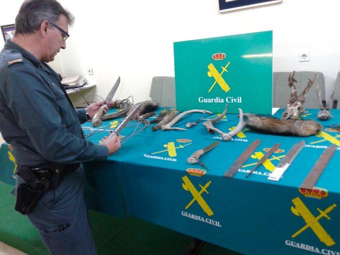 Detenido un cazador furtivo de Gondomar por colocar varios lazos metálicos en un monte del municipio