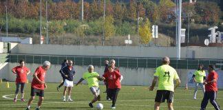 Personas mayores de 55 años disfrutan del deporte en Tomiño