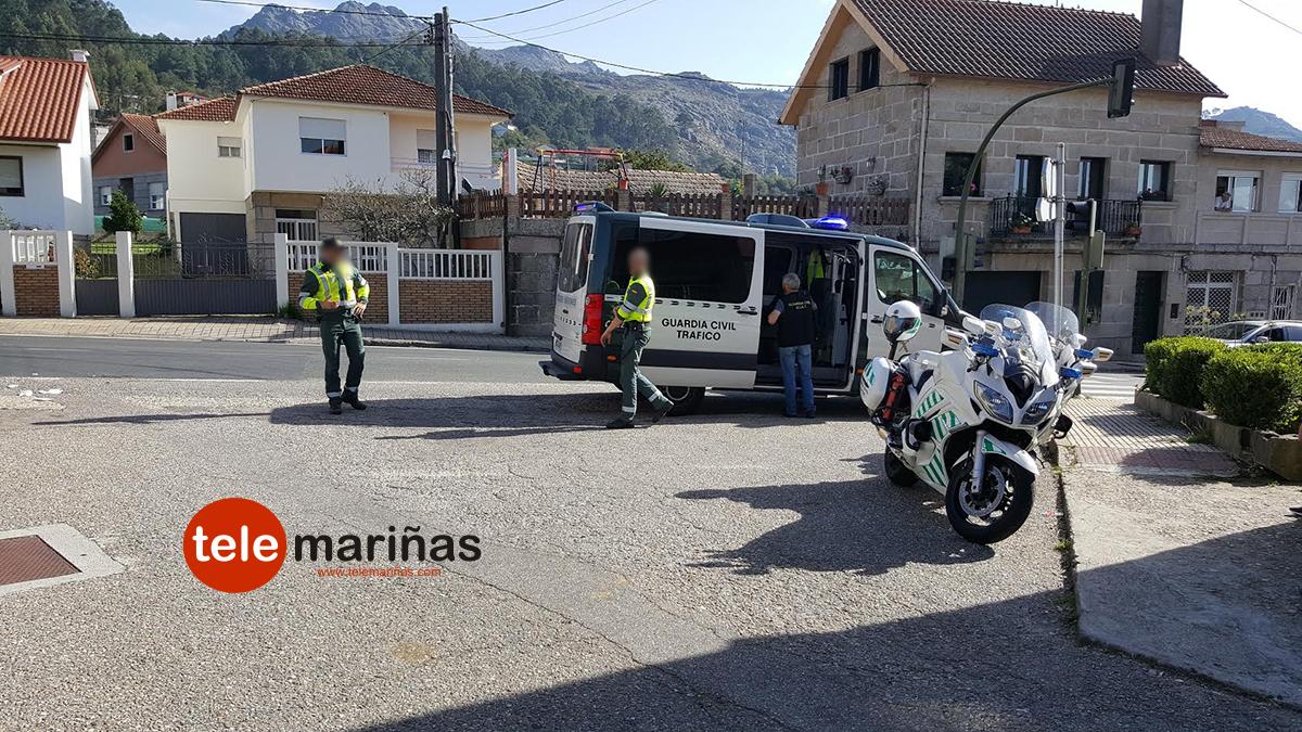 Buscan al conductor que atropelló a un ciclista y se dio a la fuga en Vincios