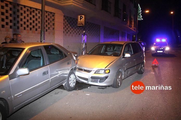Provoca un accidente en pleno centro de Panxón y se da a la fuga