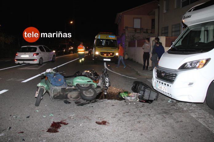 Dos heridos graves al chocar dos motos de frente en Nigrán