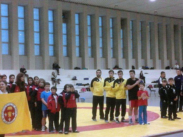 El Club de Lucha Sabarís logra tres oros y una plata en Braga