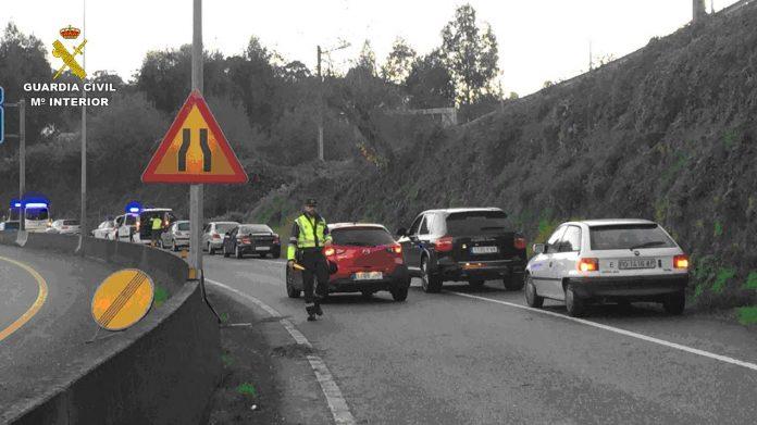 Tráfico intercepta a un camionero que circulaba ebrio, sin el permiso, y que además dio positivo en drogas