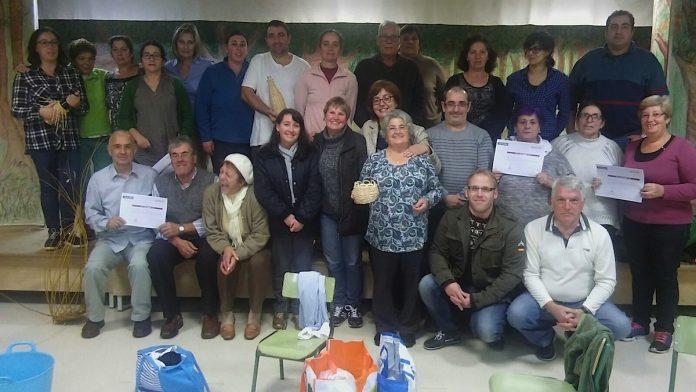 Clausura del curso de cestería en Sabarís